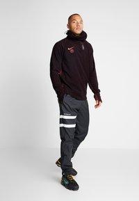 Nike Performance - Fleece jumper - burgundy ash/night maroon/racer pink - 1