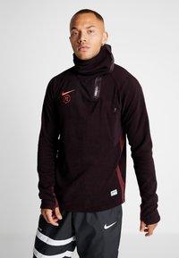 Nike Performance - Fleece jumper - burgundy ash/night maroon/racer pink - 0