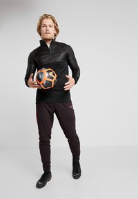 Nike Performance - WINTERIZED - Tekninen urheilupaita - black/reflect black/anthracite - 1
