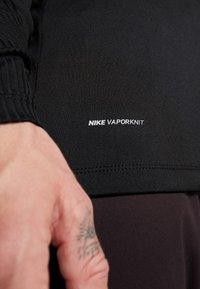 Nike Performance - WINTERIZED - Tekninen urheilupaita - black/reflect black/anthracite - 6
