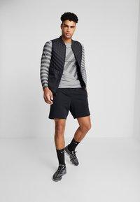 Nike Performance - TECH COOL - Sports shirt - grey fog/black/reflective silver - 1