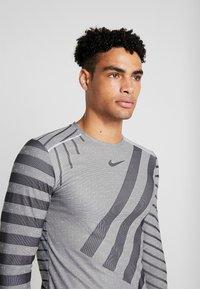 Nike Performance - TECH COOL - Sports shirt - grey fog/black/reflective silver - 6