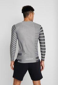 Nike Performance - TECH COOL - Sports shirt - grey fog/black/reflective silver - 2