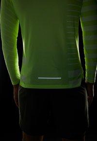 Nike Performance - TECH COOL - Sports shirt - volt/white/reflective silver - 3