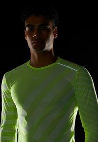 Nike Performance - TECH COOL - Sports shirt - volt/white/reflective silver - 4