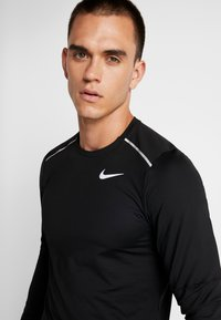 Nike Performance - CREW - Funktionsshirt - black/reflective silver - 4
