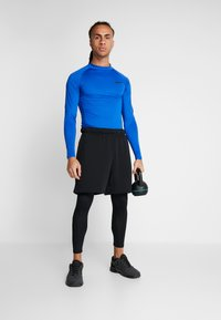 Nike Performance - PRO TIGHT MOCK - Funktionsshirt - game royal/black - 1