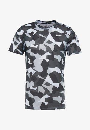 DRY TEE LEG DAZ CAMO  - Camiseta estampada - grey/black