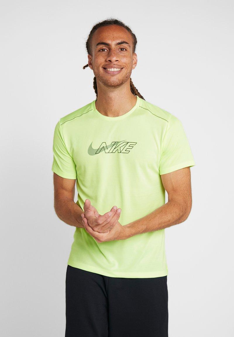 Nike Performance - MILER FLASH - Print T-shirt - barely volt/silver