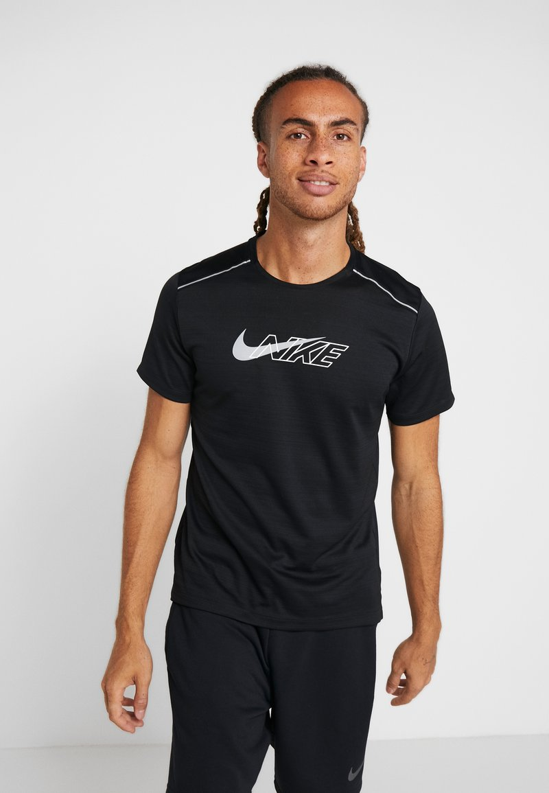 Nike Performance - MILER FLASH - Camiseta estampada - black/silver