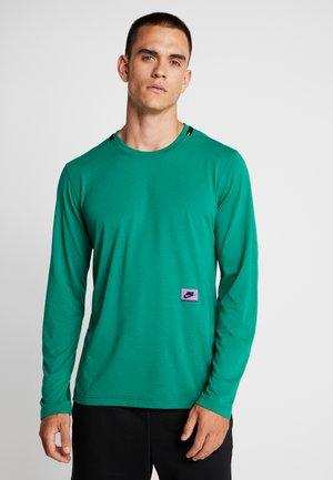 DRY - Camiseta de deporte - mystic green/kumquat/bright violet