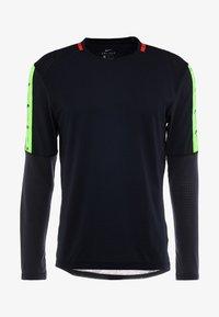 Nike Performance - WILD RUN - T-shirt de sport - black/off noir - 5