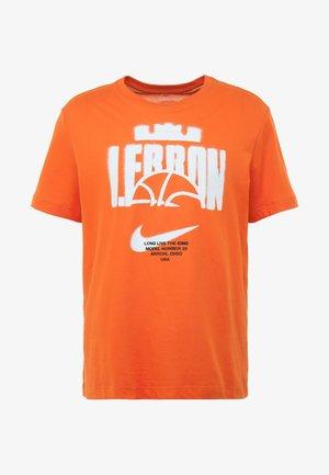 LEBRON JAMES BALL TEE - T-Shirt print - team orange