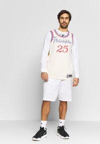 Nike Performance - NBA CITY EDITION PHILADELPIA 76ERS BEN SIMMONS SWINGMAN - Artykuły klubowe - flat opal - 1