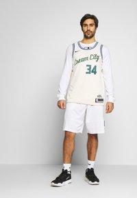 Nike Performance - NBA CITY EDITION MILWAUKEE BUCKS GIANNIS ANTETOKOUNMPO - Klubbklær - flat opal - 1