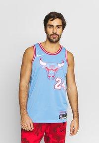 Nike Performance - NBA CITY EDITION CHICAGO BULLS LAURI MARKKANEN SWINGMAN - Artykuły klubowe - valor blue - 0