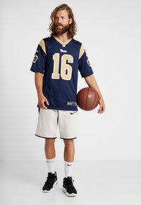 Nike Performance - NFL LOS ANGELES RAMS JARED GOFF  - T-shirt imprimé - college navy/club gold/white - 1
