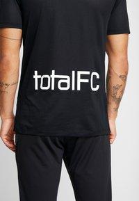 Nike Performance - M NIKE FC HOME JSY SS - Print T-shirt - black/white - 4