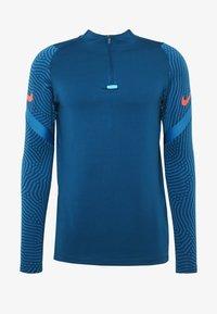 Nike Performance - DRY STRIKE DRILL - Tekninen urheilupaita - valerian blue/laser crimson - 3