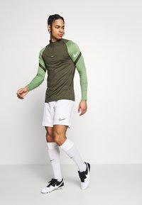Nike Performance - DRY STRIKE DRILL - Sports shirt - cargo khaki/cargo khaki/white - 1