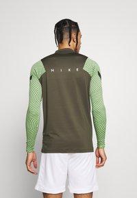 Nike Performance - DRY STRIKE DRILL - Sports shirt - cargo khaki/cargo khaki/white - 2