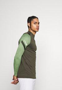 Nike Performance - DRY STRIKE DRILL - Sports shirt - cargo khaki/cargo khaki/white - 3