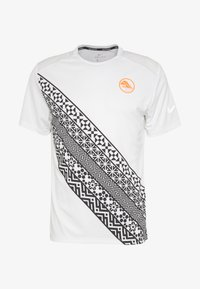 Nike Performance - Print T-shirt - summit white - 4