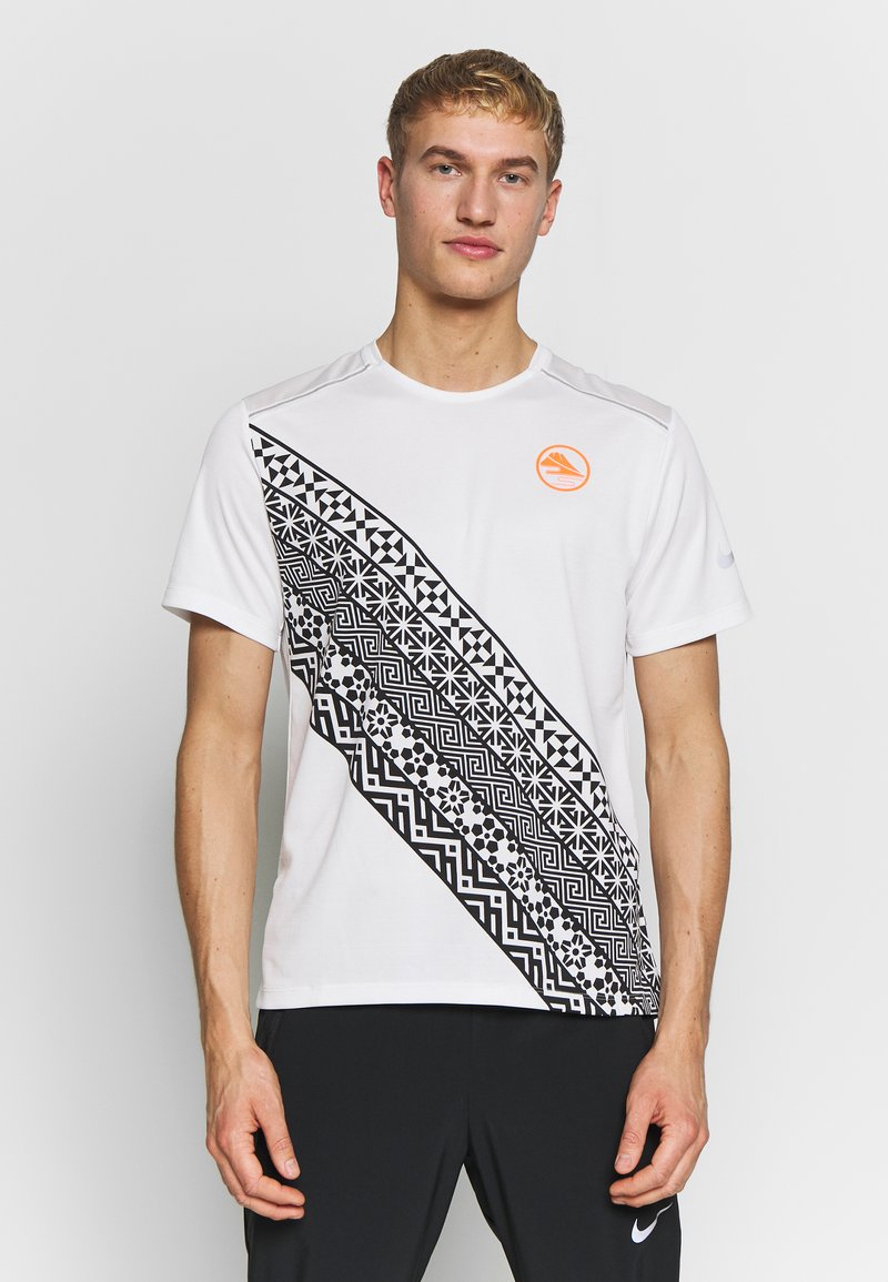 Nike Performance - Print T-shirt - summit white