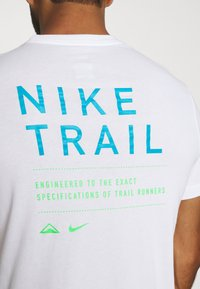 Nike Performance - DRY TEE TRAIL - Camiseta estampada - white - 5