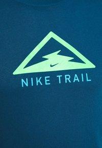 Nike Performance - DRY TEE TRAIL - Camiseta estampada - valerian blue - 5