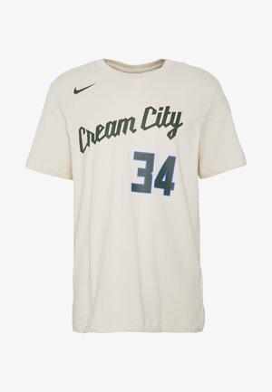 NBA MILWAUKEE BUCKS GIANNIS ANTETOKOUNMPO CITY EDITION NAME - Fanartikel - green