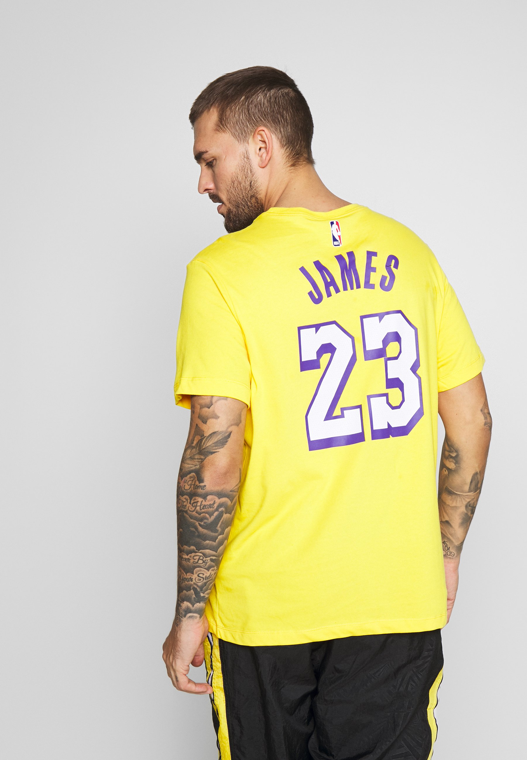 NBA LOS ANGELES LAKERS LEBRON JAMES CITY EDITION NAME NUMBER Article de supporter amarillo