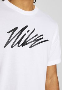 Nike Performance - DRY TEE PROJECT X - T-shirt con stampa - white - 5