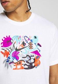 Nike Performance - DRY TEE TOKYO - Camiseta estampada - white - 6