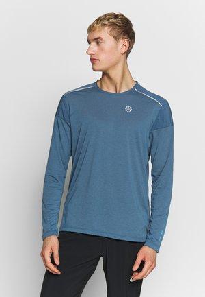 RISE HYBRID - Camiseta de deporte - thunderstorm