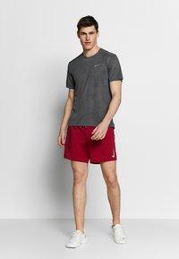 Nike Performance - DRY MILER - T-shirt print - black/iron grey - 1