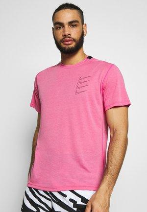T-shirt imprimé - active fuchsia/laser crimson