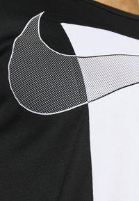 Nike Performance - SUPERSET  - Print T-shirt - black/white - 4