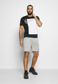 Nike Performance - SUPERSET  - Print T-shirt - black/white - 1