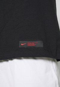 Nike Performance - NBA CHICAGO BULLS LONG SLEEVE - Artykuły klubowe - black - 6