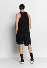 Nike Performance - DRY CLASSIC - Toppi - black/white - 2