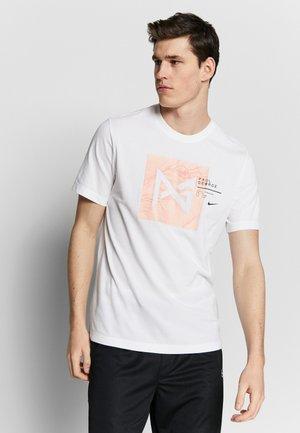 PAUL GEORGE DRY TEE - Print T-shirt - white