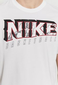 Nike Performance - DRY MARBLE TEE - Triko spotiskem - white - 5