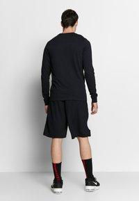 Nike Performance - DRY BASKETBALL MARBLE LONG SLEEVE  - Camiseta de deporte - black - 2