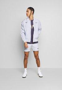 Nike Performance - RAFAEL NADAL DRY TEE - Camiseta estampada - grid iron - 1