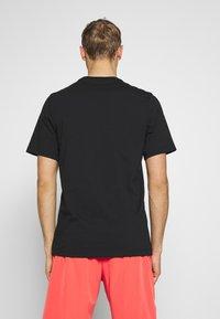 Nike Performance - TEE COURT  - Camiseta estampada - black - 2