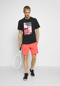 Nike Performance - TEE COURT  - Camiseta estampada - black - 1