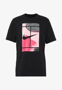 Nike Performance - TEE COURT  - Camiseta estampada - black - 3