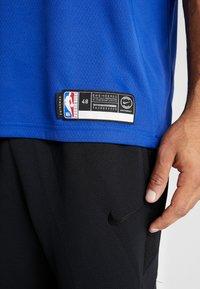 Nike Performance - NBA RJ BARRETT NEW YORK KNICKS SWINGMAN - Fanartikel - rush blue - 5