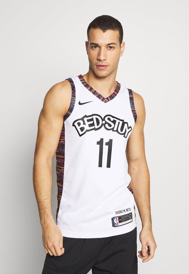 NBA KYRIE IRVING BROOKLYN NETS CITY EDITION SWINGMAN - Klubbkläder - white